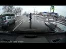 Беспредельщик на Жигулях продавливает пешеходов на зебре, Минск