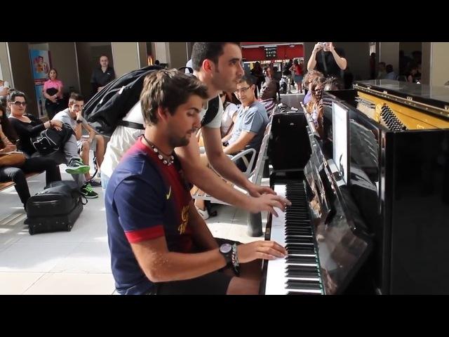 Сыграли на пианино на вокзале ► СЛУЧАЙНЫЙ ДУЭТ ИЗ ПАССАЖИРОВ
