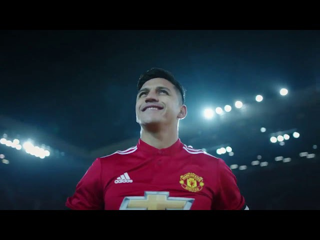 Man United Officially Unveil Alexis As A United Player