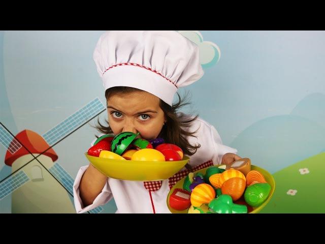Готовим Вместе с ЭМИЛЮШЕЙ Веселая кухня Учим названия фруктов и овощей! Фрукты и...