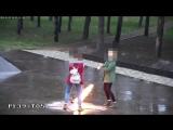 Школьницы из Кубани оплевали Вечный огонь в Абинске