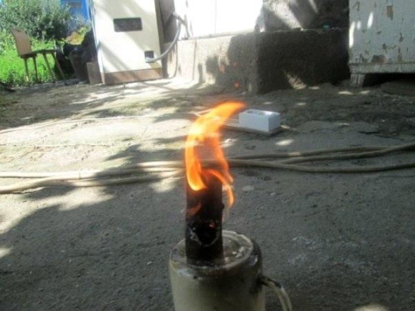 LsDzXfli8do - Лайфхак для розжига костров в неблагоприятных условиях
