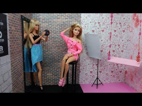 Жизнь Барби Фотосессия. Крастоку Барби приглашают стать моделью новой коллекции белья