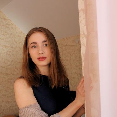 Алена Зырянова