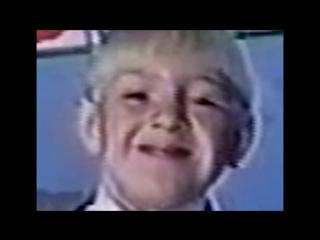 7-летний Конор МакГрегор демонстрирует свои танцевальные движения