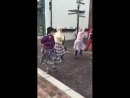 Бабушки зажигают в танце