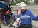 Инвалид разбил бордюр кувалдой по бордюрам 03.06.16