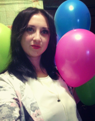 Анна Шаров
