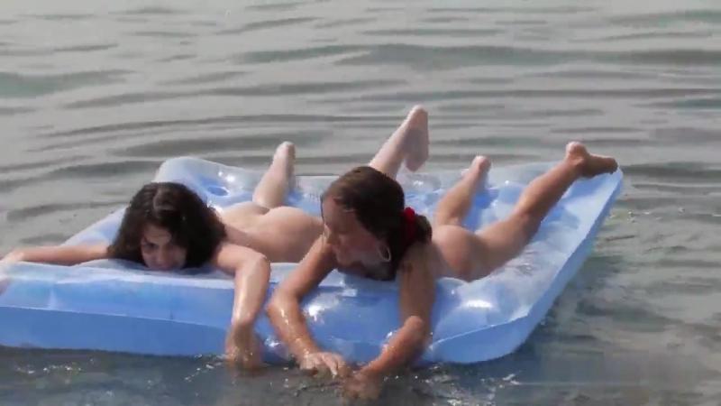 Секс видео когда купаются статью
