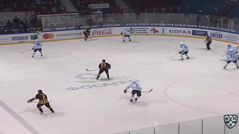 Моменты из матчей КХЛ сезона 17 18 Гол 2 2 Шалунов Максим Сибирь сравнивает счет матча 11 01