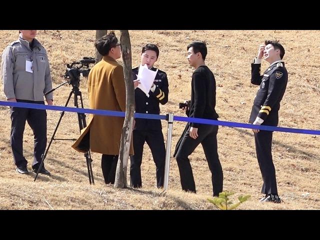 180313 경찰대학 합동임용식 현장속으로 촬영중인 김준수