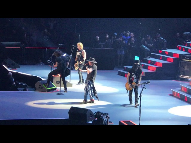 Guns n' Roses with Dave Grohl - BOK Center - Tulsa, OK - 11/14/17