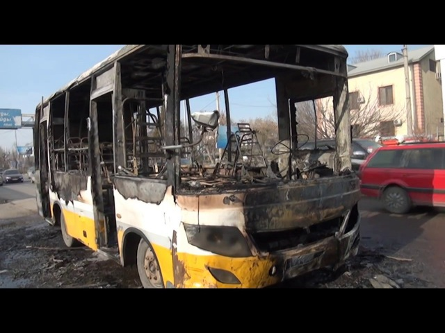 В Шымкенте сгорел пассажирский автобус