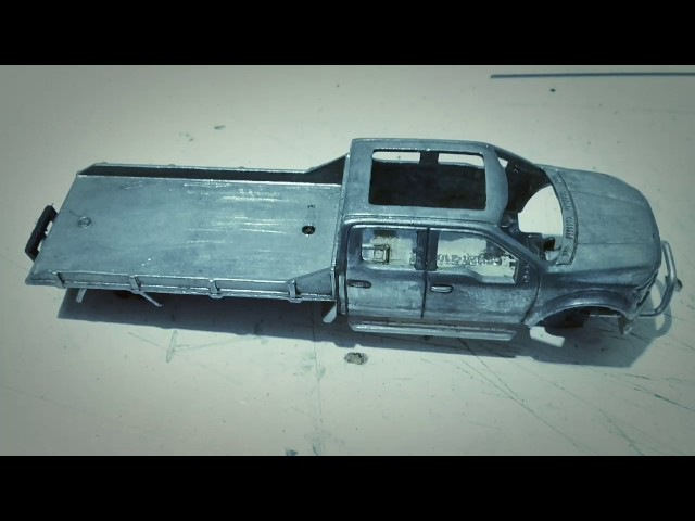 Hot Wheels Custom Camioneta Ford F150 2015 Plataforma