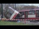 Straßenbahn entgleist 10 Verletzte in Düsseldorf Bilk am 28 11 2014 O Ton