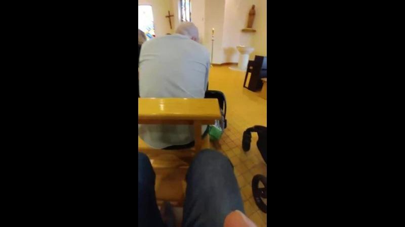 Church Thug Life · Coub | Коуб | Видео | Визуальное Наслаждение | Удовольствие | Лайфхак | В Церкви | Смотрит Футбол | Телефон | Идеальное Преступление | Молодец | Мастер Хитростей