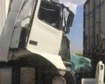 В Калмыкии произошло ДТП с участием 4 грузовиков