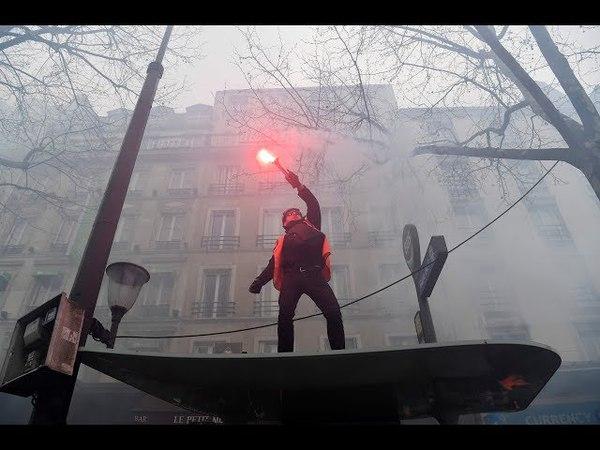 Miles protestan contra reformas de Macron se reportan choques