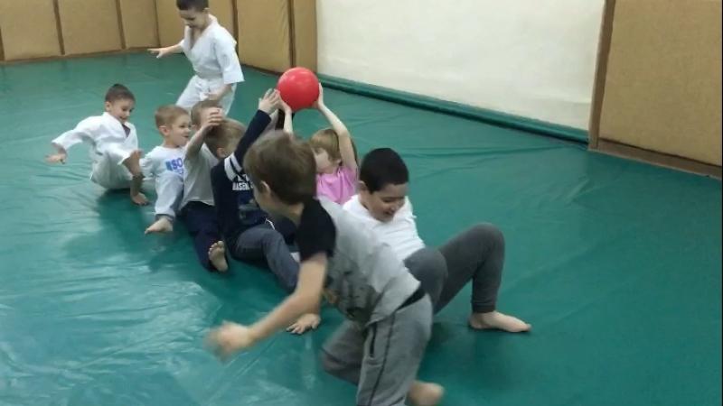 Наши ребята группа с 6 лет, учимся работать в команде.