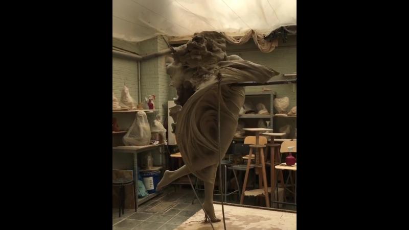 скульптор Luo Li Rong