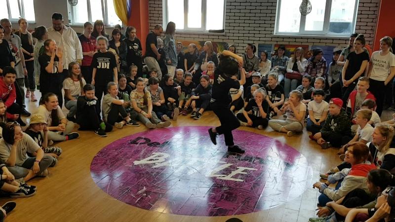 DeFunkyFunky battle. Hip-Hop begginers preselection. Dance Team Just Do It. Paulina