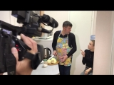 Алина отказывается готовить, пока Валентин не купит новый кухонный гарнитур