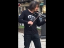 Питер. Уличный музыкант