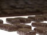 Сладкие подарки: выбираем шоколад к 23 февраля и 8 марта