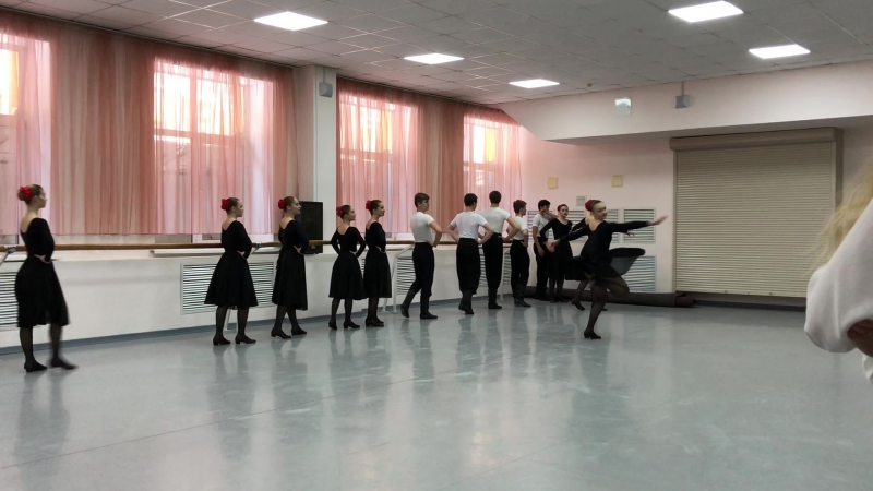 народный танец 2 1 курс 16 группа