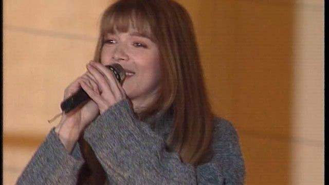 """Télévie on Instagram: """"Album Télévie30 : En 1994 : Hélène Rollès chante sur le podium du Télévie à Dinant televie chanteuse faisonsgagnerlavie..."""