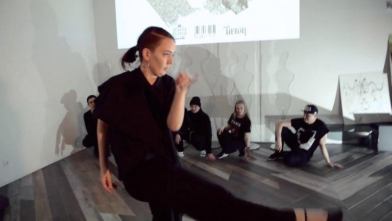Танцевальный коллектив Бруклин в выставочном пространстве Black Box Expo » Freewka.com - Смотреть онлайн в хорощем качестве
