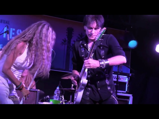 STEVE VAI Zepparella Babe I'm Gonna Leave You @ Malibu Guitar Festival 5-19-17