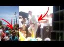 Ciro Gomes perde a paciência desce do palanque e vai atrás dos manifestantes...