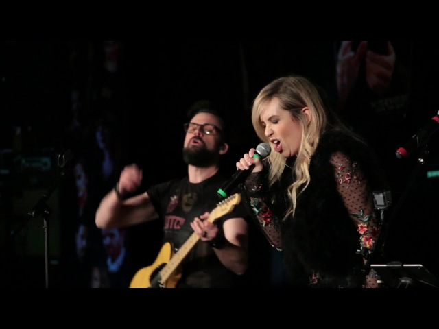Briana Buckmaster singing I Am the Fire at Las Vegas SNS 2018
