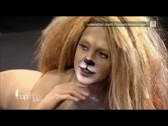 Bodypainting Women as Zebras, Birds, Tigers part2