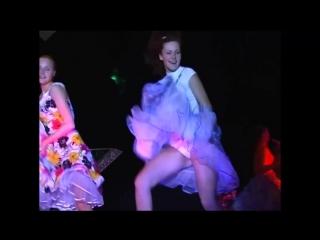 u-tantsovshitsi-upala-yubka