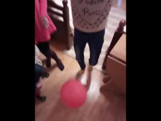 Когда странно лопаешь шарик!Вечеринка 2016!