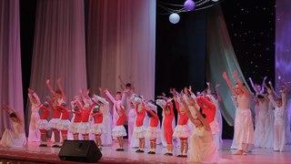 В Керчи ансамбль Кураж отметил 15-летие