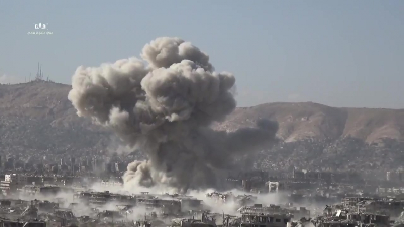 L'armée syrienne démolit un nid de tireurs d'élite djihadistes à Jobar à l'est de Damas