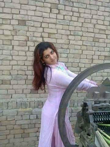 Punjabi bhabhi working hard