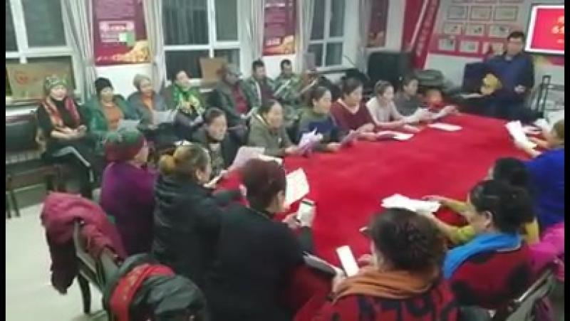 Админ шығарш...Қазақтың Қара жорғасы Қытай коммунистік партиясының жақсылығын ұрандайтын әнге айналды. Әттең...
