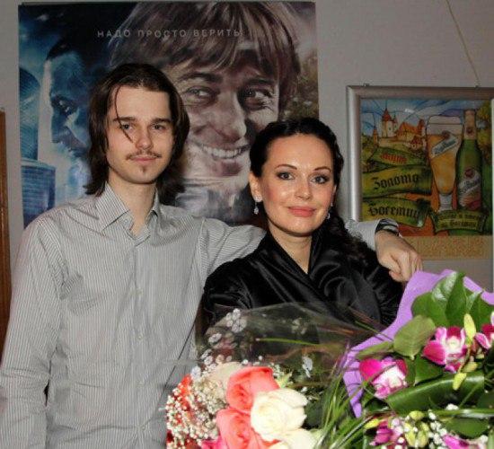 Ирина Безрукова рассказала о погибшем сыне