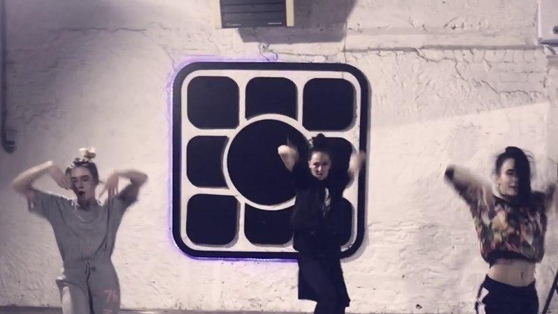 Karri_toya_dance