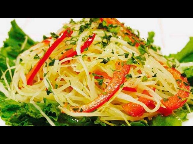 Салат с квашеной капустой - рецепт. Салат из капусты с болгарским перцем и сельде...