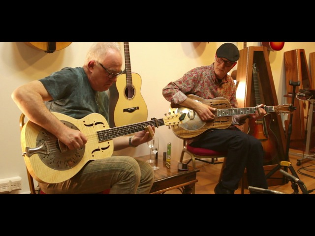 Robbie McIntosh Michael Messer - Buckets Of Rain Live at The North American Guitar