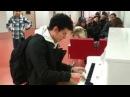 Thomas Krüger Flashmob Piano Medley at French Airport Paris Orly