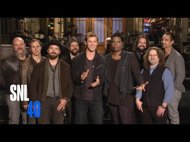 Leslie Jones Crushes on SNL Host Chris Hemsworth in Her First Promos