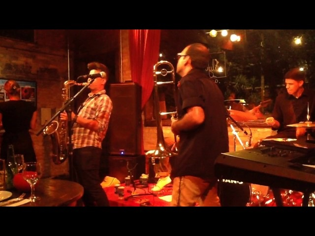 Summer Time - Madeleine Jazz Bar - FlyBrass