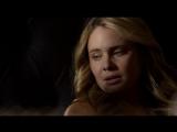 Первородные 2x01 Клаус пытается утешить Хейли.