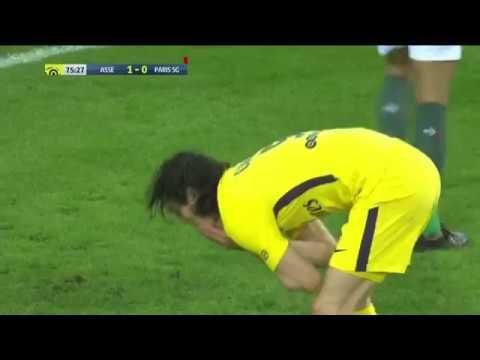 Inacreditável Di Maria toca e Cavani perde Gol sem goleiro.